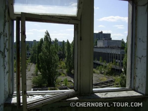 Вид из гостиницы Полесье на дом культуры Энергетик