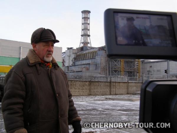 Интервью Михаила Обертинского на фоне бывшго места работы